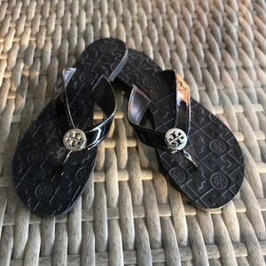 Tory Burch Women's Thora Flat Thong Sandal - Black